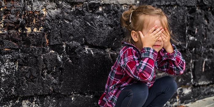 علائم و نشانه های اوتیسم چیست؟