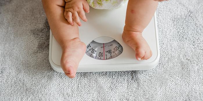 وزن مناسب نوزاد یکماهه و افزایش اشتهای نوزاد
