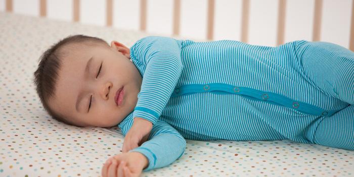 13 موردی که برای لباس خواب نوزاد و کودک باید رعایت کرد