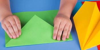 چند بازی ساده با کاغذ برای سرگرمی کودکمان